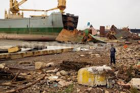 Scrap metal from used ships polluting environment