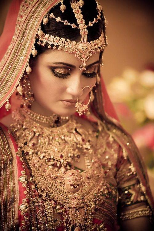 Gold Gains As Indian Wedding Season Arrives