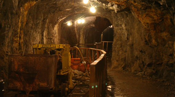 South African mine deaths hit record low in 2014