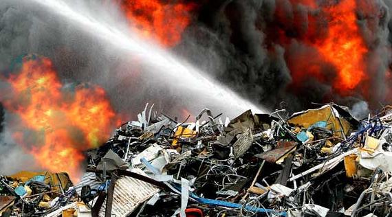 Scrap metal pile in Elgin catches fire