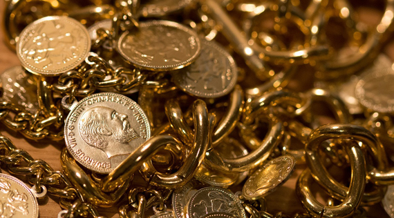 Gold Price Drops 1.5% from 3-Month Dollar High as Euro Sinks on QE Push, ETFs Shed Metal Again