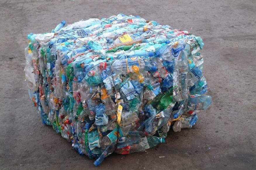 Transparent Per Bottle bales scrap